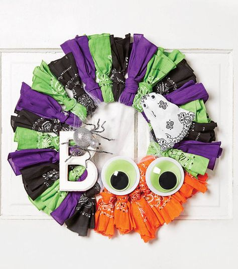 How To Make A Halloween Bandana Wreath -- replace with fabric?