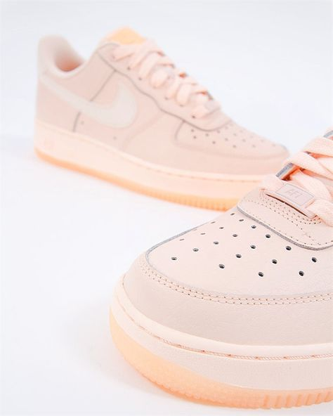 Nike Wmns Air Force 1 07 Essential | AO2132 800 | Orange