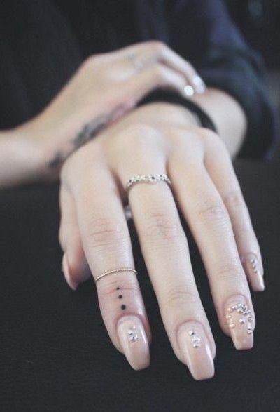 Tatuajes En Los Dedos Tatuajes Discretos Tatuajes Minimalistas