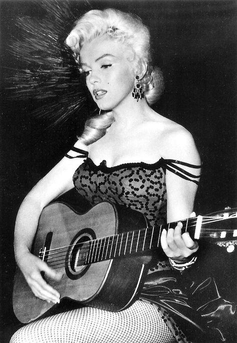 1953 / En tournage des extérieurs du film River of no