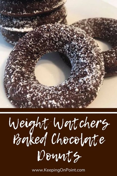 Baked Chocolate Donuts – 3 SmartPoints Weight Watchers Baked Chocolate Donuts - only 3 points each for blue, green and purple! Weight Watcher Cookies, Weight Watchers Muffins, Weight Watchers Meal Plans, Weigh Watchers, Weight Watchers Snacks, Weight Watchers Breakfast, Weight Watchers Smart Points, Skinny Recipes, Ww Recipes