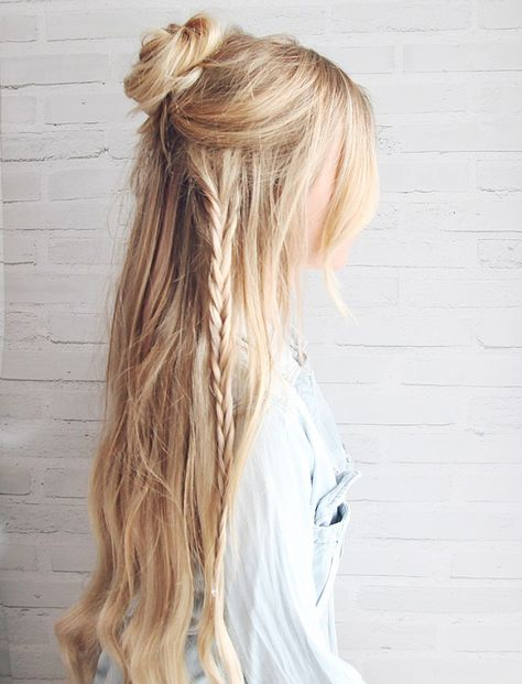 half-up boho bun - hair tutorial by kassinka Up Hairdos, No Heat Hairstyles, Summer Hairstyles, Pretty Hairstyles, Straight Hairstyles, Braided Hairstyles, Prom Hairstyles, Hairstyle Ideas, Simple Hairstyles