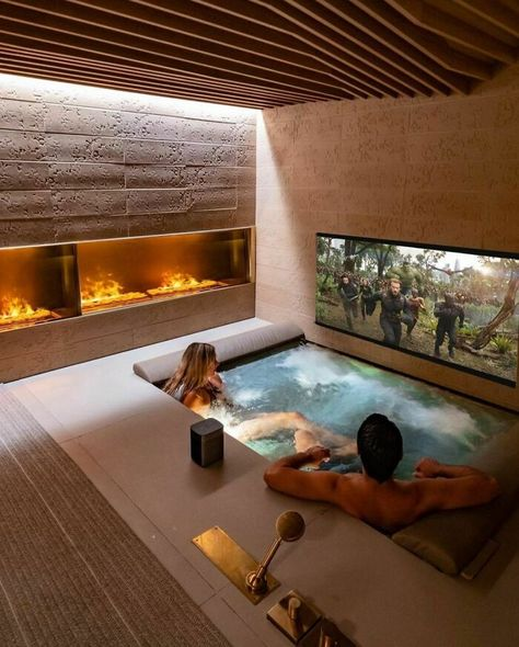 At Home Movie Theater, Home Theater Design, Deco Spa, Piscina Interior, Moderne Pools, Milan Hotel, Spa Rooms, Home Movies, Four Seasons Hotel