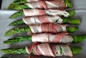 Asparagus wrapped in parma ham