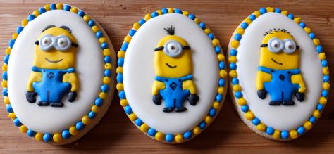 Minion Cookies by  Karen's Cookie Jar, Oakden, Australia. You'll find this Cake Appreciation Society Member in our Directory at www.cakeappreciationsociety.com