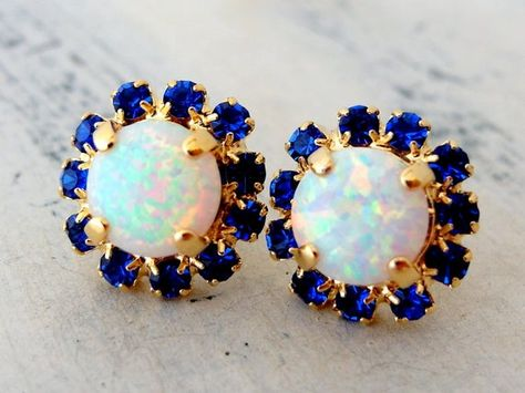 #weddings #jewelry #earrings #bridesmaidgift #bridalearrings #bridesmaidsearrings #swarovskiearrings #rhinestoneearrings #goldearrings #whiteopalstuds #opalearrings #opaljewelry #whitestuds #giftforawoman #crystalearring