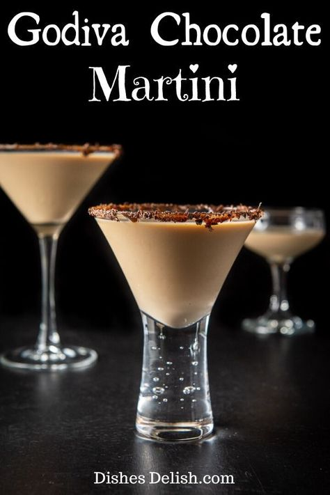 This Godiva Chocolate Martini Is Decadently Delicious It Is Rich, Creamy And Reminiscent Of A Melted Ice Cream Shake. In any case, Be Careful You Are Going To Want More Than One And They Go Down Reeeaaaalll Easy Christmas Drinks, Holiday Drinks, Fun Drinks, Yummy Drinks, Party Drinks, Mixed Drinks, Beverages, Winter Drinks, Godiva Chocolate Liquor