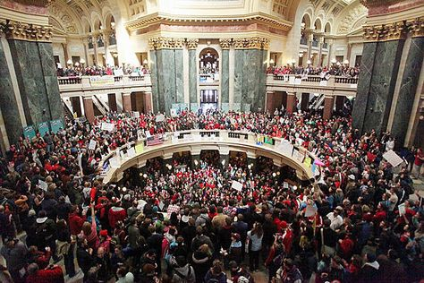 Citizens Of Wisconsin Occupy The Wisconsin Capital Building In Protest Of Bank Foreclosures Portent Utah Wisconsin State Wisconsin