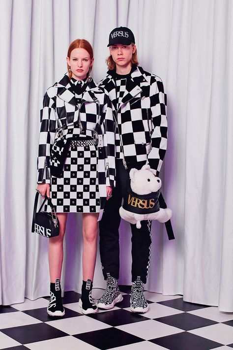Versus Versace Fall 2018 Ready-to-wear Fashion Show Collection
