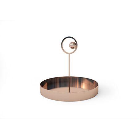 Una preziosa collezione di vasi decorativi composta da un vaso e da un centrotavola, particolari per le eleganti geometrie di ispirazione déco. Oggetti Di Design Vasi Da Interno Portacandele Vassoi Cappellini Pendant Light Ceiling Lights Light