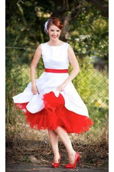 SUSAN Svatební šaty Retro bílé červené šaty lodičkový výstřih tylová sukně  tyl Satén saténový pásek kolová f128efadd0
