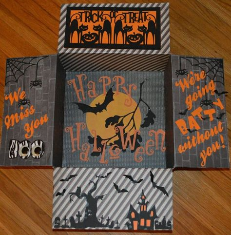 University of Florida college student care package for Halloween Spooktacular ideas Halloween that are sure to dazzle any college kid! Fun, spooky, and thoughtful ways to decorate a care package for a student. Diy Halloween Gifts, Halloween Gift Baskets, Halloween Themes, Halloween Fun, Halloween Supplies, Outdoor Halloween, Halloween Decorations, University Of Florida, State University