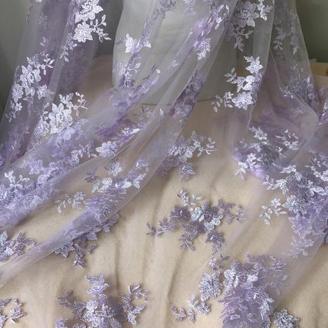 gowns Bridal Floral Fabric Lavender Lace Fabric for Bridesmaid Gown Prom Dress Lace Fabric
