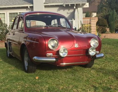 1959 Renault Dauphine Front