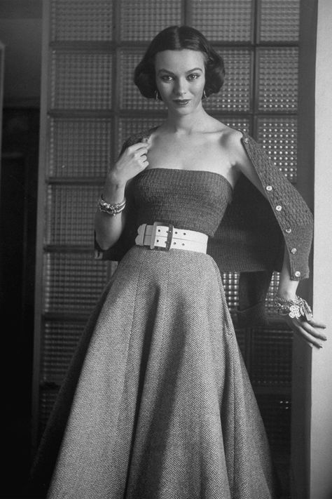 b6a1b1dd972 1950s Fashion Photos and Trends - Fashion Trends From The 50s