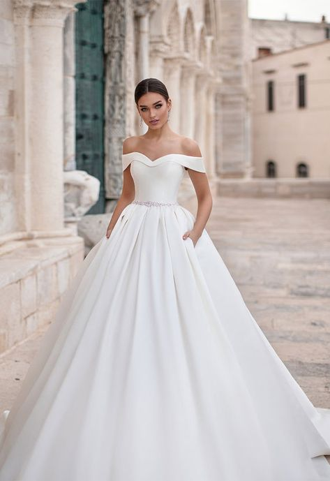 #weddingdress #weddinggown #weddingdresses