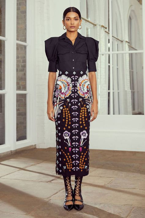 Temperley London Resort 2020 Fashion Show Collection: See the complete Temperley London Resort 2020 collection. Look 21