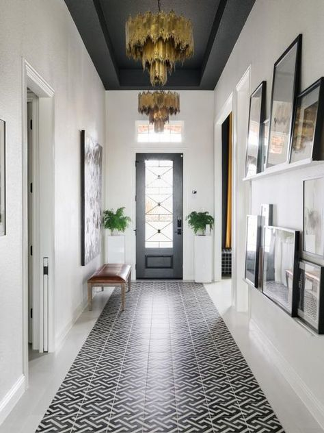 Grey tray ceiling with black and white inset tile runner. Tour HGTV Smart Home 2 - Smart House - Ideas of Smart House - Grey tray ceiling with black and white inset tile runner. Tour HGTV Smart Home 2019 Dark Ceiling, Colored Ceiling, Paint Ceiling, Painted Ceiling Beams, Ceiling Painting, Ceiling Color, Ceiling Art, Home Ceiling, Modern Ceiling