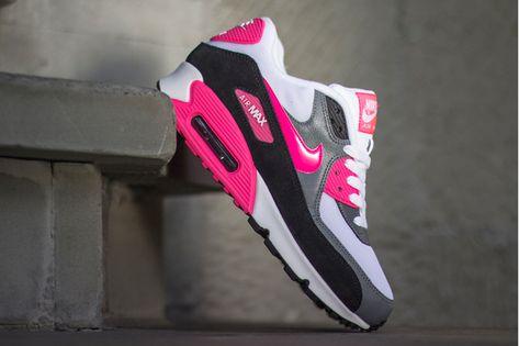 pretty nice 0b512 956c0 NIKE AIR MAX (COOL GREY BLACK HYPER PINK)   Sneaker Freaker