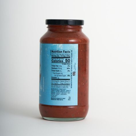 COMBINE ANY 6 JARS FOR FREE SHIPPING! FLAT RATE $10 SHIPPING FOR 1-5 JARS. ARRABBIATA - A delicious sauce with just the right amount of spice, slow-simmered with the best tomatoes, herbs, onions, and garlic. No need for added sugar or loads of fat - the taste is in the organic ingredients and Pizza Girls' family recipe! TIP: For the perfect spicy kick try it on its own with your favorite pasta, or throw on some grilled shrimp, crumbled prosciutto, or fresh ricotta and arugula and make it gourmet