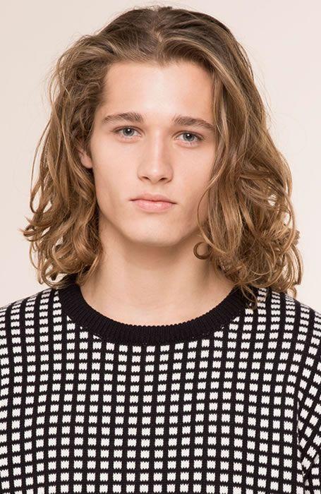 Men S Hairstyles Shoulder Length Trim Photo Pull Bear Menshairstyles Menshair Should Shoulder Length Hair Men Shoulder Length Hair Long Hair Styles Men