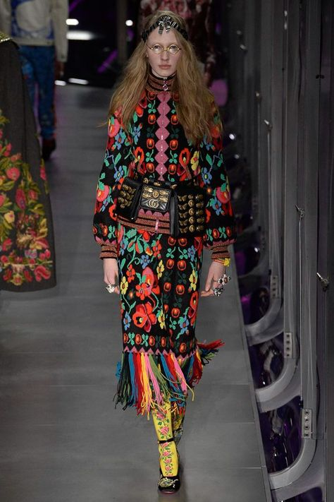 See all the Collection photos from Gucci Autumn/Winter 2017 Ready-To-Wear now on British Vogue