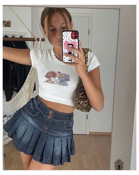 Indie Outfits, Trendy Outfits, Cool Outfits, Summer Outfits, Fashion Outfits, Aesthetic Fashion, Aesthetic Clothes, Textiles Y Moda, Denim Skirt Outfits