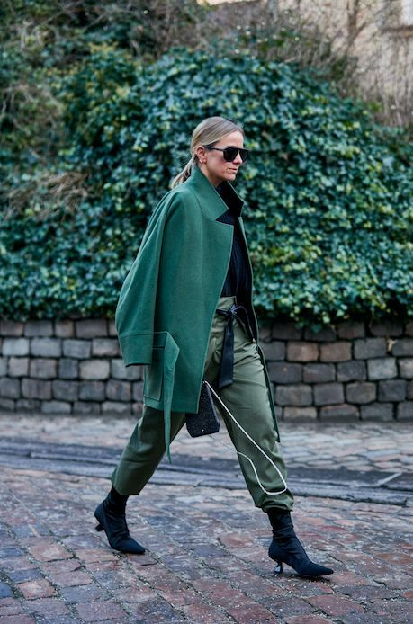 31 Glorious Outfits From The Fashion Week That Sets The Trends - Winter Street Style