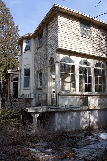 abandoned #house #manor #mansion #London #Ontario