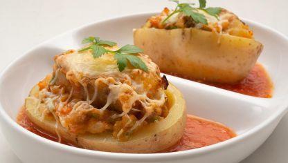 Receta De Patatas Rellenas De Carne Picada Karlos Arguiñano Patatas Rellenas De Carne Patata Rellena Recetas Con Patatas