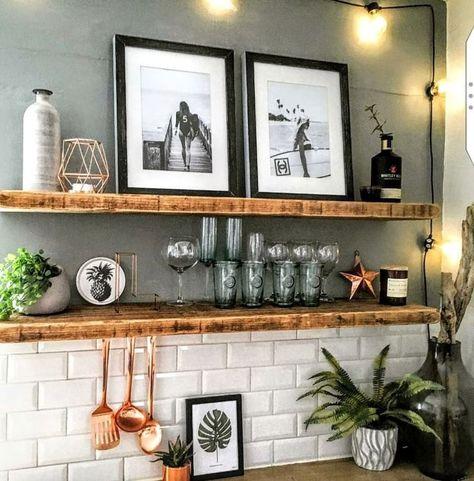Küche Ideen Einrichtung Landhaus mit Holz. #Deko #Wandgestaltung. Dress your shelves!