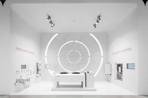 For the fair appearance of Stiebel Eltron at the ISH 2017 in Frankfurt/Main, the world's largest performance show for the combine of water and energy, Dart stages the existing brand architecture in a new, futuristic look and feel.