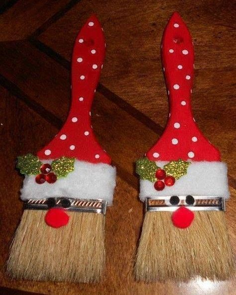 Paint Brush Santa Ornaments - Tutorial / Live Healthy with Patty. *Use small brushes to make gift tags.print PAINT BRUSH SANTA ORNAMENTS You could even add your child's name in glitter on the brush too! Christmas Ornament Crafts, Santa Ornaments, Noel Christmas, Holiday Crafts, Ornaments Ideas, Christmas Design, Simple Christmas Crafts, Easy To Make Christmas Ornaments, Funny Christmas