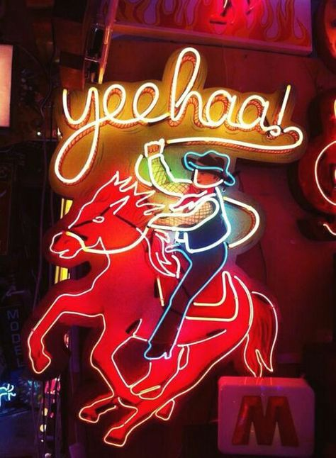 34 Ideas Neon Lighting Signs Travel For 2019 Cool Neon Signs, Vintage Neon Signs, Neon Light Signs, Photo Wall Collage, Picture Wall, Neon Licht, Neon Moon, Cowboy Art, Old Signs