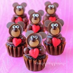 Chocolate Teddy Bear Cupcakes are so adorably sweet and are the perfect treat for Valentine's Day.  Chocolate Teddy Bear Cupcakes are so adorably sweet and are the perfect treat for Valentine's Day.