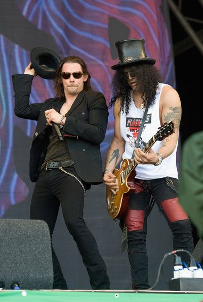 Slash and Myles Kennedy - Download Festival - June 2010 was amazing.