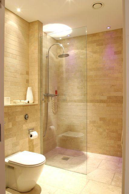 Einfache Kleine Wohnung Design Ideen Tolle Ideen Fur Ihre Enge Wohnung Zu Bewerben Haus Deko Club Small Bathroom Remodel Ensuite Shower Room Bathrooms Remodel