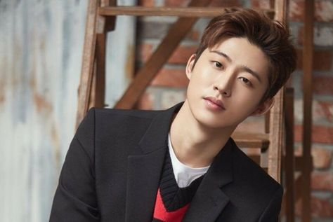 ASK K-POP Theboy of the Boy Group icon said that he wanted to act. MBN Y Forum 2019, a mentoring festival for Korean youth, was held at the Jangchung Gymnasium in Seoul on the afternoon of the 27th.On this day, Chae Dae-hwan, chairman of Maekyung Media Group, Prime Min...