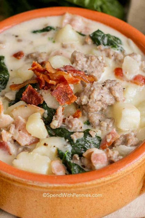 Zuppa Toscana is quick and easy Italian soup you can make at home! Loaded with sausage, potatoes and bacon, this hearty soup will definitely fill a hungry tummy! #spendwithpennies #zuppatoscana #easysoup #creamysoup #withspinach #withpotatoes #withbacon #heartysoup