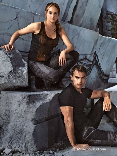 Divergent Promo Shot Of Shailene Woodley Theo James Divergent Series Divergent Fandom Divergent Tris