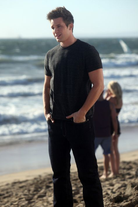 """90210 -- """"Life's A Beach"""" -- Image: NO516a_0267 – Pictured: Matt Lanter as Liam -- Photo: Patrick Wymore/The CW -- © 2013 The CW Network. All Rights Reserved."""