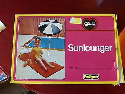 sindy pedigree sunlounger boxed and with accessorize