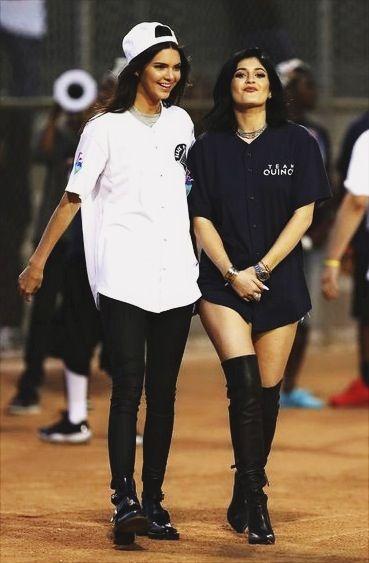 Kendall And Kylie Jenner pinterest ~> @sierralunee