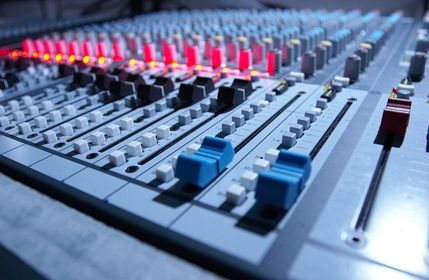 For those interested in sound or audio engineering... How to Learn Sound Engineering Online