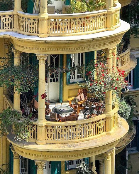 Raindrops and Roses - All About Balcony Beautiful Architecture, Beautiful Buildings, Interior Architecture, Interior And Exterior, Beautiful Homes, Beautiful Places, Interior Design, Art Nouveau, Raindrops And Roses