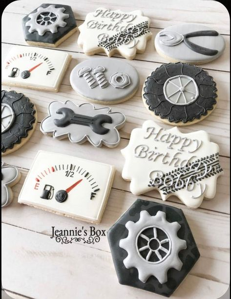 Special cookies for a Birthday. Car Cookies, Royal Icing Cookies, Birthday Cake Decorating, Cookie Decorating, Cars Birthday Parties, 50th Birthday, Birthday Cookies, Graduation Cookies, Custom Cookies