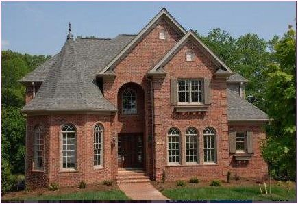 How To Choose The Right Roof Shingles Color Exterior Brick House Exterior
