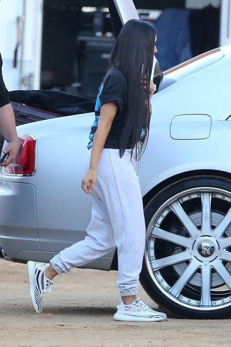 c0299564c18ff Kim Kardashian wearing Vintage Snoop Dogg T-Shirt