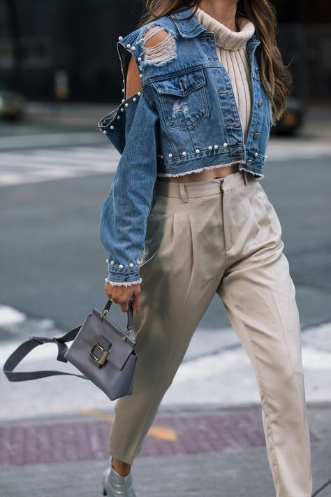 New York Fashion Week Day 3 & 4 http://www.thriftsandthreads.com/new-york-fashion-week-day-3/?utm_campaign=coschedule&utm_source=pinterest&utm_medium=Thrifts%20and%20Threads&utm_content=New%20York%20Fashion%20Week%20Day%203%20and%204