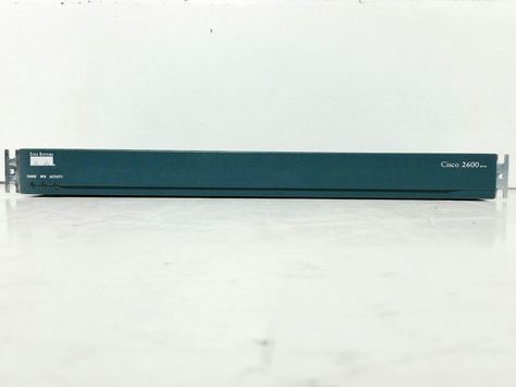 Cisco Systems 2600 Series Model 2610 Network Router #Cisco
